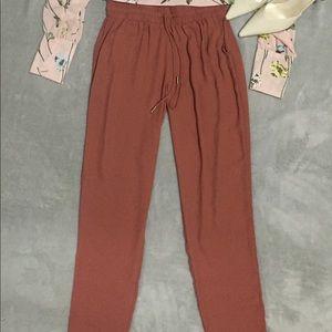 Olivaceous pants